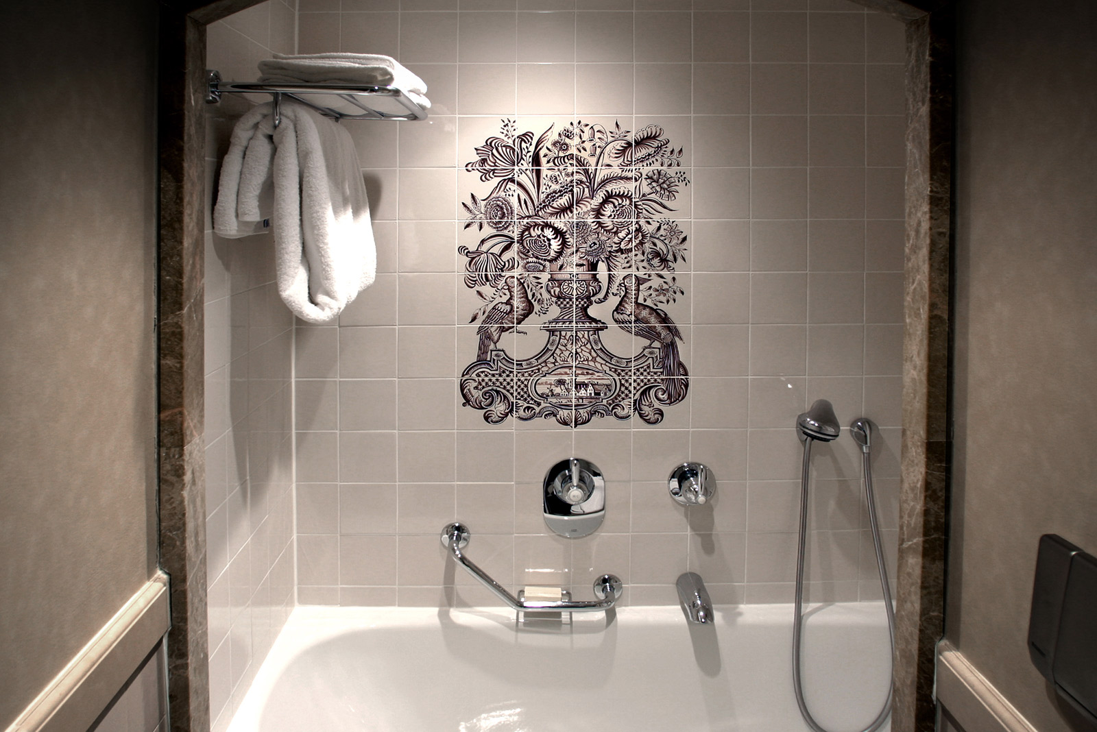 Badkamer Tegels Amsterdam : 265 tableaus voor het pulitzer hotel in amsterdam